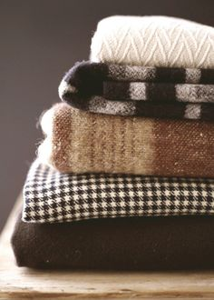 | November | Cozy Blankets in Creamy Latte & Hot Cocoa Hues