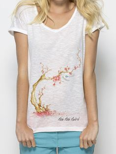 Japanese cherry Invents Inventions, Madrid, Cherry, V Neck, Japanese, T Shirts For Women, Woman, Tops, Fashion