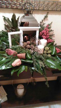 fee284a6e Aranžované Kvety, Ikebana, Ladder Decor, Kvetinová Výzdobu, Vianočná  Výzdoba, Výzdoba Uprostred
