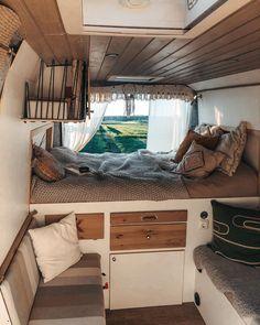 Motorhome Interior, Bus Interior, Campervan Interior, Tiny House Cabin, Tiny House Living, Tiny House Design, Bus Camper, Toyota Hiace Campervan, Custom Camper Vans