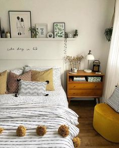 Modern Bohemian Bedrooms & Home Interior Decor Ideas: With the passage of time the demand and trend of the bohemian home decoration has been becoming the main talk of the town. Cute Bedroom Ideas, Room Ideas Bedroom, Bedroom Colors, Dream Bedroom, Home Bedroom, Small Bedroom Ideas For Couples, Master Bedroom, Awesome Bedrooms, Teen Bedroom