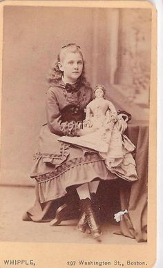 Victorian girl with French fashion doll - Boston. Interesting how the dolls were imported from France and wound up all over the United States. Victorian Photos, Victorian Dolls, Antique Photos, Vintage Photographs, Antique Dolls, Victorian Portraits, Vintage Children Photos, Vintage Girls, Vintage Pictures