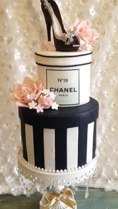 Cake Journal Cake Decorating Ideas Cupcake Designs and Other Delicious Treats Cupcakes Design, Cake Designs, Chanel Birthday Cake, 50th Birthday Party, Designer Birthday Cakes, Designer Cakes, 16th Birthday Cakes, Girly Birthday Cakes, Girly Cakes