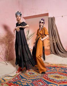 Вдохновением для новой летней коллекции от Alena Goretskaya стала Африка. Это яркая цветовая палитра, смешение стилей, анималистические и этнические принты, натуральные материалы, фурнитура и, конечно же, авторские аксессуары, которые дополнили и завершили образы, ярко отражающие стиль коллекции. #alenagoretskaya #аленагорецкая #лето2020 #летнийобразженский #летнийобраз #тренды2020 #мода2020 #летнийобразнаработу #весна2020 #африка #образналето #платье #аксессуары2020 #аксессуары #шелк #шифон
