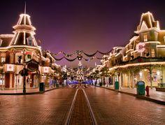Awesome Disney photos by Tom Bricker - Disney Tourist Blog (The BEST Disney Blog the BEST Disney photos) Check him out!
