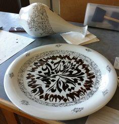 Nja Mahdaoui Plate and Vase Meissen artCAMPUS – Overglaze painting on Meissen porcelain – 2011