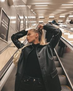 Adrette Outfits, Trendy Outfits, Fall Outfits, Skater Outfits, Black Outfits, Travel Outfits, Disney Outfits, Winter Fashion Outfits, Look Fashion