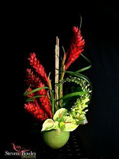 Modern tropical floral design tropical flower arrangement of red ginger Contemporary Flower Arrangements, Tropical Floral Arrangements, White Flower Arrangements, Ikebana Flower Arrangement, Ikebana Arrangements, Flower Centerpieces, Table Arrangements, Exotic Flowers, Tropical Flowers