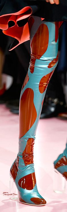 Christian Dior Fall 2015 RTW detail ♔Très Haute Diva♔ Turquoise Blue Green and Chocolate Brown
