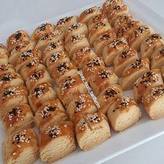 Çok ısrarla denemenizi tavsiye ediyorum 2-3 hafta ilk günki gibi TAZELİĞİNİ KORUYOR çok ama çok lezzetli kıyır kıyır bir kurabiye üstelik…