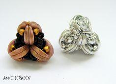CzechMate Crescent beaded bead Little knot