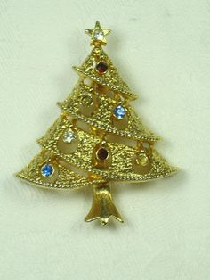 Vintage Christmas Pin Gold Tree
