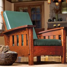 Build a Bow-Arm Morris Chair - Fine Woodworking plans Arts And Crafts Furniture, Diy Furniture Plans, Furniture Projects, Wood Furniture, Wood Projects, Mission Furniture, Cheap Furniture, Woodworking Basics, Woodworking Furniture