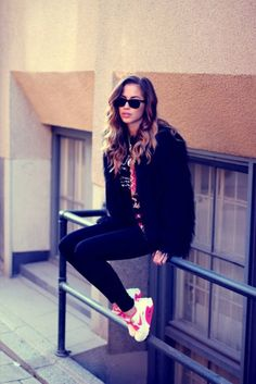 Comfy ( Leggings & Sneakers )