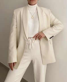Suits For Women, Clothes For Women, Work Clothes, Types Of Coats, Ootd, Dressed To The Nines, Office Outfits, Aesthetic Fashion, Minimalist Fashion
