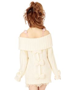 Liz Lisa off white bow sweater off the shoulders // I would wear with jeans though.