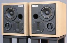 Two Way speaker system - Kralk Audio Loudspeakers Small Speakers, Horn Speakers, Monitor Speakers, Best Speakers, Diy Speakers, Bookshelf Speakers, Bluetooth Speakers, Audiophile Speakers, Speaker Amplifier