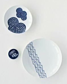 Days of Lightning by ampulets. Porcelain plate bearing Singapore Icons. SUPERMAMA #haystakt