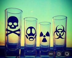 Toxic Shot Glass Set Biohazard Radioactive Skull and Black Dishwasher, Sherry Glasses, Liqueur Glasses, Stash Jars, Tequila Shots, Shot Glass Set, Skull And Crossbones, Green Day, Barware
