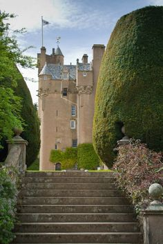 Steps to Crathes Castle