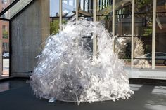 Students use Complex Computer Analysis to Generate Seemingly Impossible Plastic Pavilion