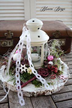 Christmas Diy, Christmas Wreaths, Christmas Decorations, Xmas, Holiday Decor, Home Grown Vegetables, Growing Vegetables, Citrus Garden, Fashion Lighting