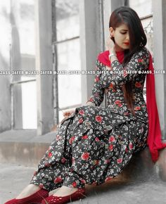 Best 10 Rayon Self Design Patiala Suit Dupatta Material ( Navy Blue & White Dott ) – SkillOfKing. Punjabi Dress, Pakistani Dresses, Indian Dresses, Indian Outfits, Punjabi Salwar Suits, Punjabi Bride, Patiala Salwar, Patiala Suit Designs, Kurti Designs Party Wear