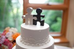 cake topper... I honestly love this. I've always said that the person God has for me will be my missing puzzle piece :)