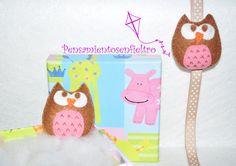 Chupetero de fieltro : Buho marrón-rosa con lazo beis y lunares blancos y pinza metálica