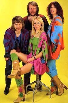 ABBA is Benny Andersson, Björn Ulvaeus, Anni-Frid Lyngstad and Agnetha Fältskog. Live and art photos of ABBA. Janis Joplin, Banda Abba, Kinds Of Music, I Love Music, Nana Mouskouri, Mundo Musical, John Travolta, 70s Fashion, Vintage Fashion