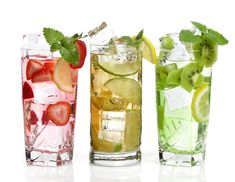In a previous article we discussed how healthy and delicious fruit infused water can be. So now I am sharing more ideas. Fruit Drinks, Non Alcoholic Drinks, Detox Drinks, Cold Drinks, Healthy Drinks, Healthy Recipes, Healthy Habits, Refreshing Drinks, Summer Drinks