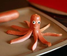 Fun Foods for Kids: Octo-Dog!  http://www.craftymoods.com/2010/12/fun-food-for-kids-octo-dog.html#.UPI2fTd_77c