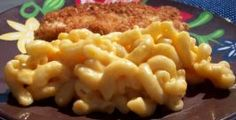 Creamy Crock Pot Macaroni and Cheese. Photo by diner524