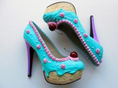 teal and pink cake pumps by Shoe Bakery Pretty Shoes, Beautiful Shoes, Awesome Shoes, Crazy Shoes, Me Too Shoes, Funky Shoes, Dream Shoes, Ice Cream Shoes, Designer Shoes