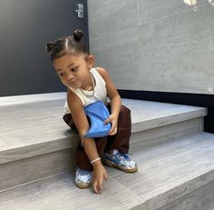 Baby Outfits, Cute Little Girls Outfits, T Shirt Streetwear, Style Streetwear, Cute Baby Girl, Cute Babies, Jenner Kids, Look Kylie Jenner, Baby Girl Hairstyles