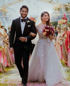 Check out these pictures of Samantha Ruth Prabhu and Naga Chaitanya from their wedding right here! - Samantha Ruth Prabhu - Naga Chaitanya's Catholic ceremony is like Ye Maaye Chesave Part 2 - view pics Wedding Couple Poses Photography, Indian Wedding Photography, Wedding Poses, Wedding Photoshoot, Wedding Couples, Wedding Bride, Wedding Dresses, Wedding Outfits, Wedding Ideas