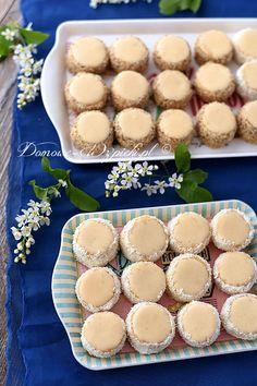 Ciasteczka warszawskie Pineapple Coconut Bread, Cookie Recipes, Dessert Recipes, Biscuits, Raw Vegan Desserts, Happy Foods, Christmas Sweets, Homemade Cakes, Cake Cookies