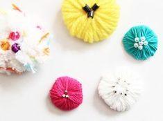 【巻くだけ簡単】毛糸でつくるお花のブローチ*作り方