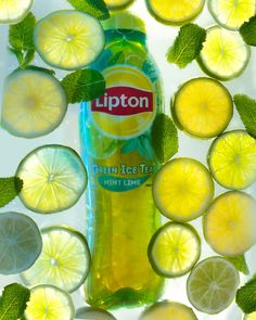 Drink Positive with Lipton iced tea products and discover the tasty and refreshing drinks from the world's leading tea brand. Coffee Packaging, Coffee Branding, Custom Packaging, Packaging Design, Cafe Coffee Day, Lipton Ice Tea, Masala Tea, Tea Brands, Tea Box