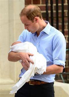 """Already a hands on dad, William has changed a diaper and Kate thinks """"he's very good at it."""" When quizzed about the baby's name William said they don't know yet, but when asked if they had decided to call their baby George he replied, """"Wait and see. Prince George Alexander Louis, Prince William And Kate, Princess Kate, Princess Charlotte, Duchess Kate, Duke And Duchess, Baby Prince, Royal Prince, Baby George"""