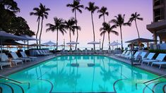 Take a photo tour of Moana Surfrider, A Westin Resort & Spa, Waikiki Beach. This historic, oceanfront hotel is ideal for romantic honeymoons in Honolulu. Vacation Deals, Hawaii Vacation, Vacation Spots, Hawaii Honeymoon, Hawaii 2017, Hawaii Hawaii, Vacation Packages, Hawaii Wedding, Destination Wedding