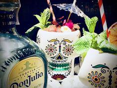 Cóctel Paloma Don Julio Tequila, Vodka Bottle, Drinks, Drinking, Beverages, Drink, Beverage