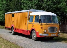 Commercial Vehicle, Old Trucks, Eastern Europe, Cars And Motorcycles, Volkswagen, Porsche, Automobile, Classic Cars, Busse