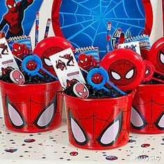 Send the heroes home with a Spider-Man favor container chock-full of super-good favors!