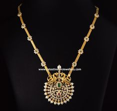 Classic diamond peacock design pendant paired with gold chain with floral diamond clasps. This traditional necklace in medium length costs Rs. 8 Lakhs approximately. Gold Chain Design, Gold Jewellery Design, Antique Jewellery, Gold Jewelry Simple, Diamond Pendant, Diamond Necklaces, Gold Necklace, Gold Pendent, Bridal Jewelry