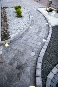 garten pflaster Products: labyrinth mini sea lion black and white 15 kg cobblestone 800 . - Products: Labyrinth Mini Sea Lion Black and White 15 kg cobblestone 800 kg Troy Antique 50 Main # f - Backyard Patio Designs, Front Yard Landscaping, Back Gardens, Outdoor Gardens, Market Garden, House Landscape, Garden Paths, Garden Inspiration, Longwood Gardens
