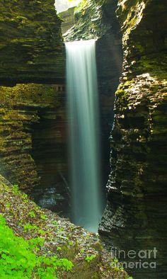 ✯ Watkins Glen Bridal Veil in New York