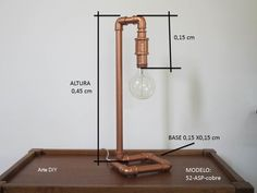Luminária artesanal cano de PVC Copper Lamps, Copper Lighting, Home Lighting, Pvc Pipe Projects, Diy Projects, Luminaria Diy, Diy Casa, Steampunk Lamp, Pipe Lamp
