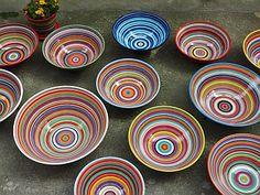 bunt gestreifte Schüssel aus Keramik von Gabi Winterl Ceramic Painting, Cold Porcelain, Bowls, Decorative Plates, Pottery, Ceramics, Drawings, Tableware, Inspiration