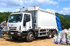 Aterro Sanitário de Timbó conta com novo caminhão para coleta